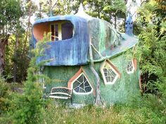 Very unusual home! I'd like to see the inside...