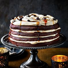 Good Housekeeping 1 of 23 Oscar Hather Espresso martini trifle This chocolate trifle recipe couldn't be easier. Supermarket chocolate cake, lashings of fresh Baking Recipes, Dessert Recipes, Desserts, Cupcake Recipes, Yummy Recipes, Martini Cake, Espresso Martini, Espresso Coffee, Coffee Cup