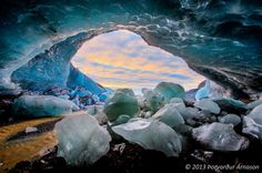 Ice cave in Falljokull glacier in Iceland [guidetoiceland.is]