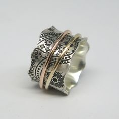 Obsessed with spinner rings right now. I would love one to fidget with during sessions.
