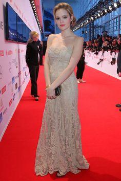 Emilia Schüle bei der Goldenen Kamera 2015