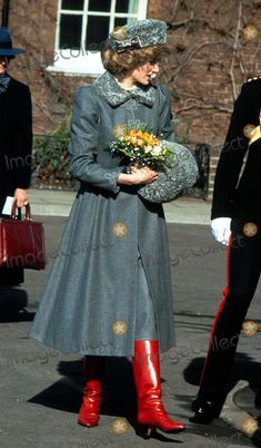 1985 March Princess Diana visits The King's Troop Royal Horse Artilery, St John's Wood, the ceremonial army unit's headquarters in London. Cossack outfit includes muff, collar down, twisted set of pearls and red boots. The Last Princess, Princess Diana Family, Princes Diana, Royal Princess, Princess Diana Fashion, Princess Diana Pictures, Charles And Diana, Lady Diana Spencer, Queen Of Hearts