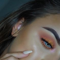 Beautiful @emiliaajoy Using the Subculture palette #abhsubculture