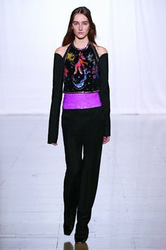 LOOK # 30  Hand-painted bib - Sleeve accessories - Sequin-embroidered shorts - Classic trousers - Suspended 'demi-pointe' T-bar shoes