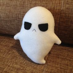 Ghostly-Bob halloween creepy cute spooky phantom spirit specter ghost plushie plush toy from strawberryserenade on Etsy. Sewing Crafts, Sewing Projects, Sewing Diy, Sewing Stuffed Animals, Stuffed Toys, Creepy Stuffed Animals, Goth Home Decor, Ideias Diy, Plush Pattern