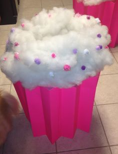 Step-by-step Instructions on how to make this Cupcake costume for Halloween!