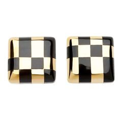 1stdibs.com | Angela Cummings for Tiffany & Co. checkerboard earrings. Rare and fabulous! Angela Cummings iconic black onyx and shimmering gold checkerboard earrings.