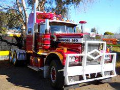 photo by secret squirrel Show Trucks, Big Rig Trucks, Old Trucks, Classic Tractor, Classic Trucks, Classic Cars, Big Tuck, Secret Squirrel, White Truck