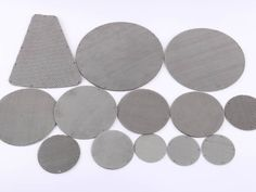 There are several multilayer extruder discs with different sizes.