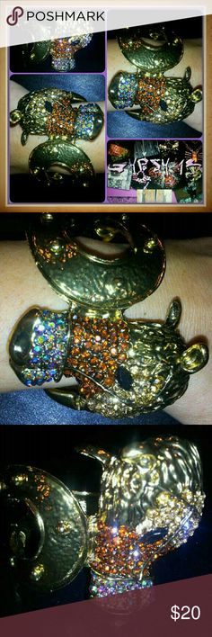 ?? EQUESTRIAN HORSE BLING RHINESTONE CUFF BRACELET NWOT!...OH MY LORDY!..if you LOVE anything to do with HORSES than this beauty was MADE with you in mind!!..just completely RHINESTONE ENCRUSTED with a LUCKY HORSE SHOW motif also cast in gold brass metal. .it has a SPRING  LOCK closure Jewelry Bracelets