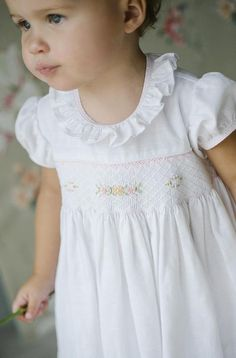 Classic children's clothing, just lovely. Classic children's clothing, just lovely. Smocked Baby Dresses, Little Girl Dresses, Smocked Clothing, English Clothes, Frocks And Gowns, Bcbg, Baby Sewing, Sewing For Kids, Sewing Baby Clothes