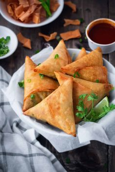 This delicious recipe for Keema Samosa is the perfect handheld snack. Filled with a bright, spicy and smoky meat filling and fried to crispy golden perfection, you will love this tasty and savory appetizer. Samosas, Meat Samosa, Keema Samosa, Indian Snacks, Indian Food Recipes, Asian Recipes, Tofu Recipes, Roast Recipes, Oven Recipes