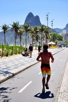 Ciclovia da praia de Ipanema - Rio de Janeiro.