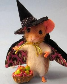 Needle Felted 1 12 Scale Witch Cabinet Mouse Halloween by Artist R J Andrea by sharene