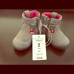 Oshkosh size 2 boots Brand new with tags infant size 2 Oshkosh grey-pink boots Shoes