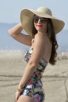 | beach look |