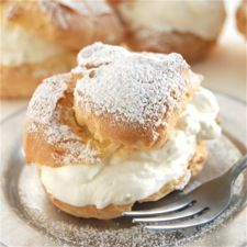 Baking for my mom. These are her favorite treats: cream puffs/eclairs from King Arthur Flour. Just Desserts, Delicious Desserts, Dessert Recipes, Yummy Food, Eclair Recipe, Profiteroles, King Arthur Flour, Cupcakes, Beignets