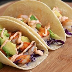 honey lime shrimp tacos with red cabbage, avocado & chili creama @cookingwithcocktailrings #tacos