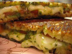 Wil je een snelle, doch lekkere maaltijd serveren op de camping? Maak dan Italiaanse tosti's. Heerlijk, met mozzarella en pesto. Kijk hier.