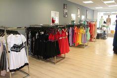 Impression der Kleider im Laden
