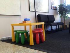 Oficina de Remax Punto Cero, con un espacio para los más pequeños Furniture, Home Decor, Offices, Space, Decoration Home, Room Decor, Home Furnishings, Home Interior Design, Home Decoration