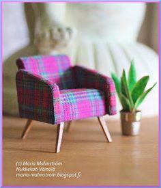 Nukkekoti Väinölä Diy Barbie Furniture, Fairy Furniture, Miniature Furniture, Dollhouse Furniture, Homemade Dollhouse, Diy Dollhouse, Dollhouse Miniatures, Popsicle Stick Art, Mini Doll House