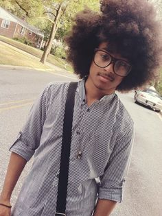 oh yeah, brothas can get in on my natural hair love, too. you go'head boy!
