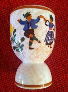 Double egg cup- dancing Dutch couple. Vintage Egg Cups, Snow Globes, Dutch, Dancing, Eggs, Couple, Decor, Decoration, Dutch Language