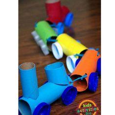 Bom dia Filhoterapeutas do meu coração! Bora brincar com nossos príncipes e princesas? Rolinho de papel, tinta, tampinhas, barbante e cola = Trenzinho para brincar e aprender cores e números. ♻ #filhoterapia #eupratico #filhos #dica #atividade #reutilize #recicle #rolinhodepapelhigiênico #brincadeira #brincaremfamília #pinterest #diy #tdah #crianças #professora #amor