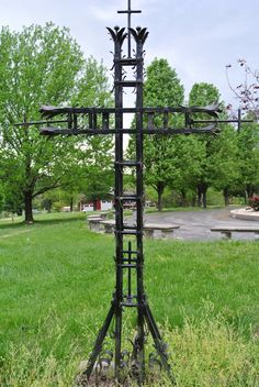 A handcrafted cross in a German cemetery in Hermann, MO