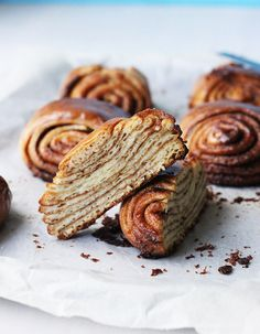 Super Swirly Cinnamon Buns by thesugarhit via buzzfeed: Maximum swirlitude #Buns #Cinnamon