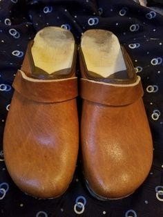 Swedish Made wooden clogs! True vintage from the Size USA. Perfect for Fall! Swedish Style, Wooden Clogs, Usa, Fall, Shoes, Vintage, Fashion, Autumn, Moda