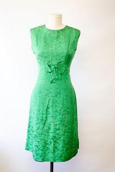 60s Kelly Green Silk Dress//green dress// mad men by vintagevirtu, $44.00