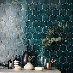 Learn more about the color teal, one color that you might not often think too much about but will provide instant boldness and depth. Copper Tile Backsplash, Popular Color Schemes, Teal Kitchen, Kitchen Reno, Kitchen Tiles, Stick On Tiles, Inspire Me Home Decor, Explosions, Building A New Home