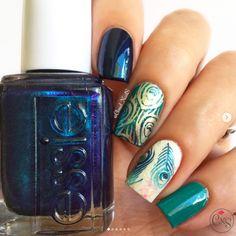 31 Peacock Nails > CherryCherryBeauty.com