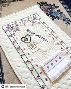 1 million+ Stunning Free Images to Use Anywhere Cross Stitch Embroidery, Cross Stitch Patterns, Hand Embroidery Videos, Free To Use Images, Prayer Rug, Bargello, Baby Knitting Patterns, Beading Patterns, Diy And Crafts
