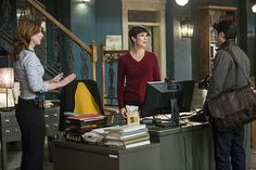 """A Navy Lieutenant Commander in impeccable shape turns to Pride and the NCIS team to solve his imminent murder after discovering he has been poisoned with a lethal dose of radiation, NCIS: NEW ORLEANS, Feb 3 (9:00-10:00, ET/PT), on the CBS Television Network. Pictured L-R: Diane Neal as CGIS Agent Abigail Borin, Zoe McLellan as Special Agent Meredith """"Merri"""" Brody, and Eyal Podell as Douglas Samuel Wilkins Photo: Skip Bolen. S1 E13."""