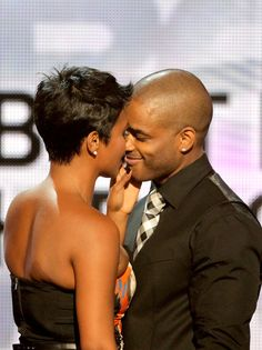 Nia Long Larenz Tate Photos - Actors Nia Long and Larenz Tate speak onstage during the 2010 BET Awards held at the Shrine Auditorium on June 2010 in Los Angeles, California. - BET Awards - Show Nia Long, Black Love, Black Is Beautiful, Black Art, Black Couples, Cute Couples, Short Hair Cuts, Short Hair Styles, Auburn