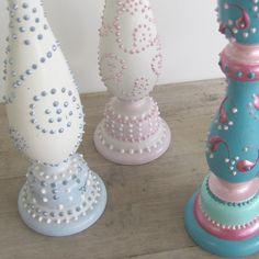 candlesticks Diy Crafts To Do, Diy Arts And Crafts, Handmade Crafts, Decor Crafts, Unique Candle Holders, Candle Holder Decor, Unique Candles, Painted Candlesticks, Modern Crafts