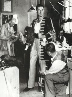 Errol Flynn at a costume fitting for Captain Blood can't help it, I love the old school film stars. I was born too late. Old Hollywood Glamour, Golden Age Of Hollywood, Vintage Hollywood, Hollywood Stars, Classic Hollywood, Hollywood Icons, Errol Flynn, Old Movie Stars, Classic Movie Stars