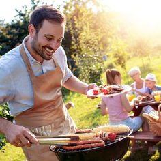 Mit diesen Grill-Gadgets gingt die nächste Barbecue-Party garantiert. Bbq, Prepping, Cool Gadgets, Grill Party, Crickets, Barbecue, Barrel Smoker, Prep Life