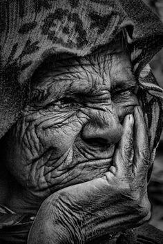 Gorgeous black and white portrait men! Black And White Portraits, Black And White Pictures, Black And White Photography, Old Man Portrait, Portrait Art, Old Faces, Many Faces, Face Photography, Face Expressions