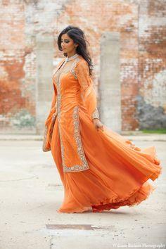 39 Ideas For Bridal Lehenga Orange Mehndi Outfit Mehndi Outfit, Indian Bridal Sarees, Elegant Bridal Shower, Wedding Inspiration, Style Inspiration, Orange Fashion, Orange Dress, Bridal Outfits, Bridal Style