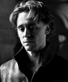 Tom Hiddleston as Prince Hal, The Hollow Crown. (gif)