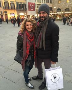 Walking in Florence I just run into a couple of #richiamiscarves lovers! Thanks to @domer1972 for the picture!  #scarves #madeinitaly with #passionforfashion ! #instafashion #instacool #instastyle #fashionlovers #fashionpost #fashionstyle #fashionkilla #fashionph #fashiondaily #fashionlook #fashiongram #fashionista #fashionaddict #ootd #outfitoftheday - http://ift.tt/1HQJd81
