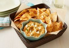 Taco Hummus and Tortilla Chips - an easy flavorful hummus dip with homemade tortilla chips : oldelpaso
