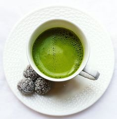 Tea Time!  This Turmeric Matcha Latte is the bomb!  I confess that I was skeptical about the flavor, but intrigued by the health benefits of turmeric and matcha. Definitely worth a try! [Truffles are my puréed vanilla bourbon date balls rolled in desiccated coconut].  Latte recipe http://www.thisohiolife.com/2016/07/07/turmeric-matcha-latte/