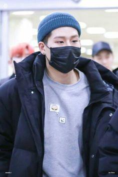 he looks so cozy:( i want to hug him so tight
