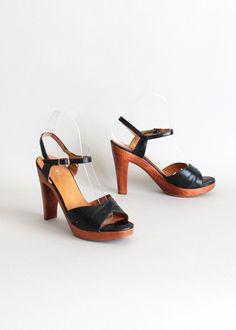 1970s sandals | Home > Products > Vintage 1970s Baretraps Wood Platform Sandals Size 6