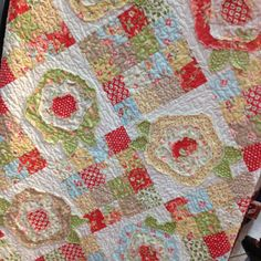 Hey, I found this really awesome Etsy listing at https://www.etsy.com/listing/168663462/garden-roses-pdf-quilt-pattern